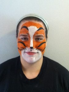 Facepainter Trudy as a tiger
