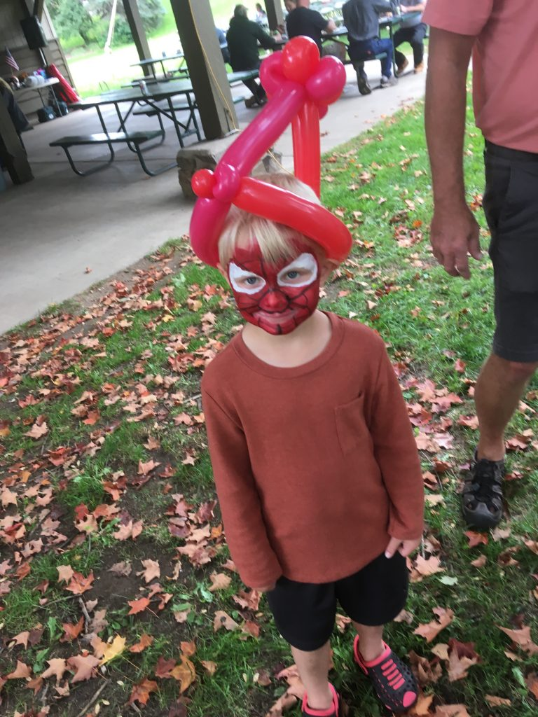 Spidery-Man with a balloon hat